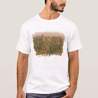 Asia, Cambodia, Siem Reap. Angkor Wat. T-Shirt