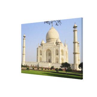 Asia, India, Uttar Pradesh, Agra. The Taj 3 Canvas Print