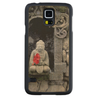 Asia, Indonesia, Bali. A shrine of Buddha Carved Maple Galaxy S5 Case