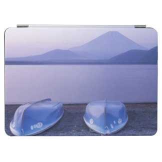 Asia, Japan, Yamanashi, Rowboats on Motosu Lake iPad Air Cover