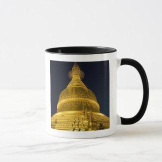 Asia, Mayanmar, Yangon, Buddhist temple in