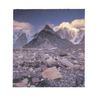 Asia, Pakistan, Karakoram Range, Broad and Notepad