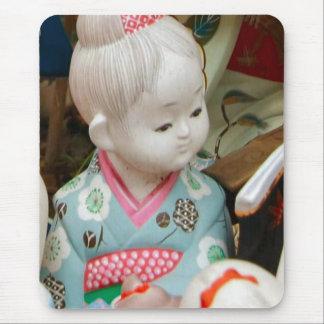 Asian ceramics, figure of a baby mouse mat