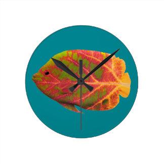 Aspen Leaf Tropical Fish 1 Round Clock