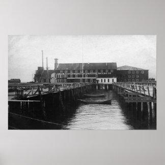 Astoria, Oregon view of Fisherman's Packing Print