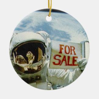Astronaut Sells Earth Round Ceramic Decoration