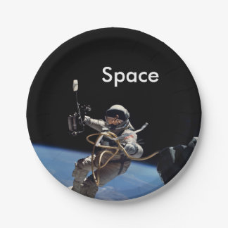 Astronaut Space Walk 7 Inch Paper Plate