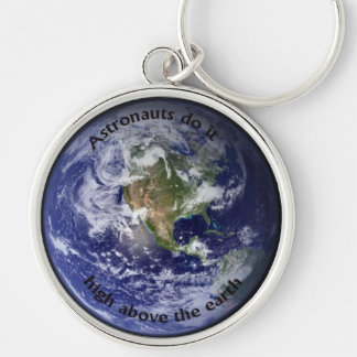Astronauts do it above the earth keyring Silver-Colored round key ring