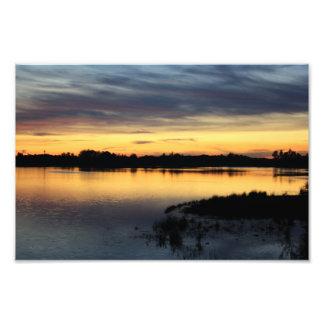 Atardecer y puesta de sol en la laguna de El Rocío Impresión Fotográfica