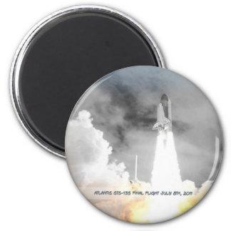 Atlantis Space Shuttle STS-135 Last Flight 6 Cm Round Magnet