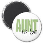 Aunt To Be (Green Block Font) 6 Cm Round Magnet