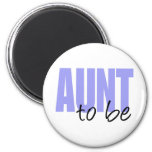 Aunt To Be (Purple Block Font) 6 Cm Round Magnet