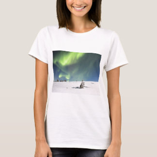 Aurora Borealis green Northern lights snowscape T-Shirt