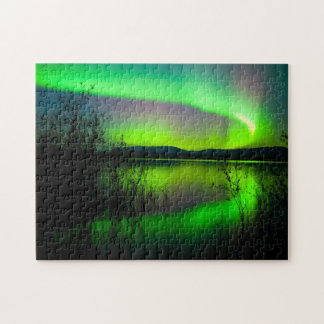 Aurora mirrored on lake - Puzzle