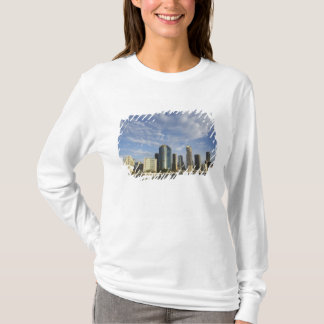 Australia, Queensland, Brisbane, Skyscrapers and T-Shirt
