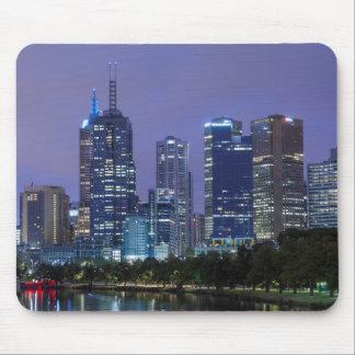 Australia, Victoria, Melbourne, skyline along Mouse Mat