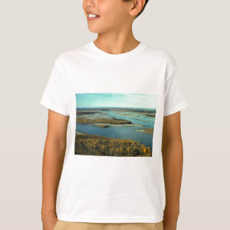 AUTUMN LANDSCAPE ON THE RIVER SURROUNDED BY TREES TSHIRTS