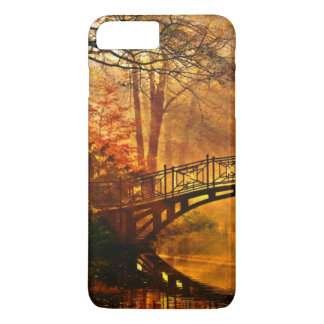 Autumn - Old bridge in autumn misty park iPhone 8 Plus/7 Plus Case
