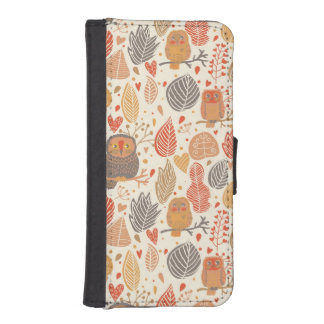 Autumn pattern. Owls in the forest iPhone SE/5/5s Wallet Case