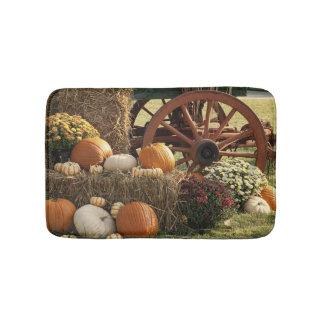 Autumn Pumpkins And Mum Display Bath Mat