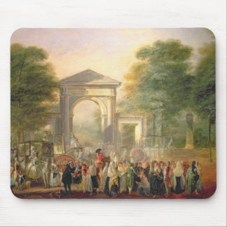 Avenue before the Botanical Gardens in Madrid, 178 Mouse Mat
