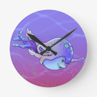 AVISSE CUTE ALIEN Round (Medium) Wall Clock