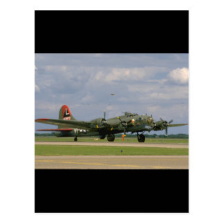 B17 Taxiing, Right Front_WWII Planes Postcard