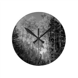B&W Aspen 4 Round Clock