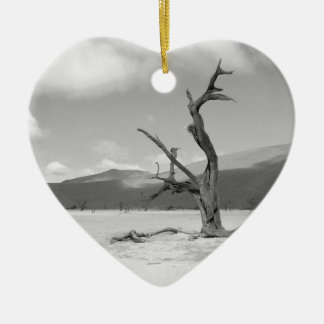 B&W Dead Vlei 3 Ceramic Heart Decoration