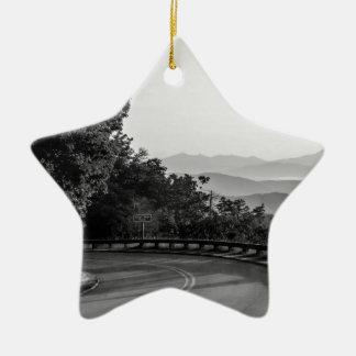 B&W Great Smoky Mountains 2 Ceramic Star Decoration