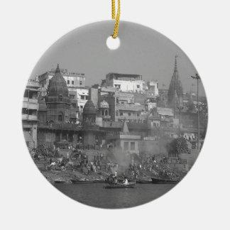 B&W India Ganges River Round Ceramic Decoration