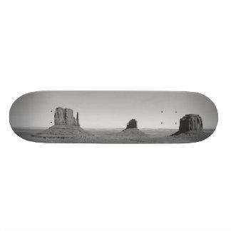 B&W Monument Valley 3 20.6 Cm Skateboard Deck