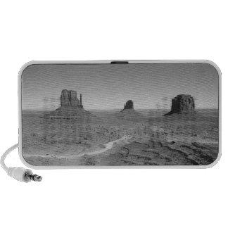 B&W Monument Valley 3 Speaker System