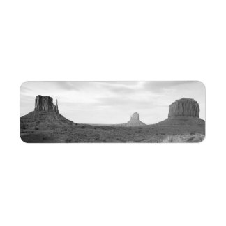 B&W Monument Valley 4