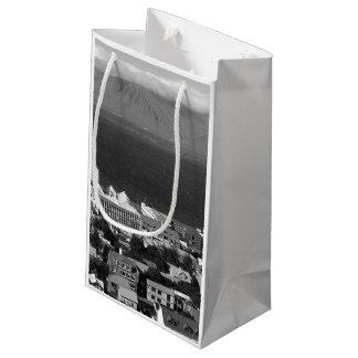 B&W Reykjavik Small Gift Bag
