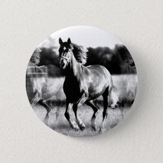 B&W Running Horse 6 Cm Round Badge