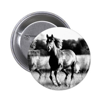 B&W Running Horse 6 Cm Round Badge