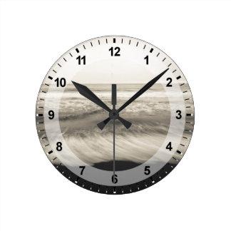 B&W seascape, Hawaii Round Clock