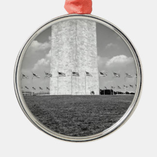 B&W Washington Monument Silver-Colored Round Decoration