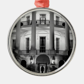 B&W White House 2 Silver-Colored Round Decoration