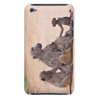 Baboon family sitting on ground Case-Mate iPod touch case