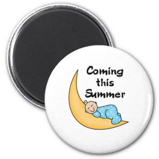 Baby Boy on Moon Summer 6 Cm Round Magnet