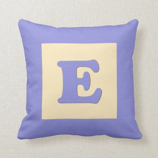 Baby building block throw pIllow letter E (blue)
