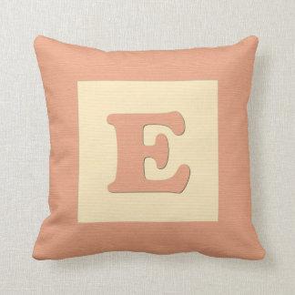 Baby building block throw pIllow letter E (orange)