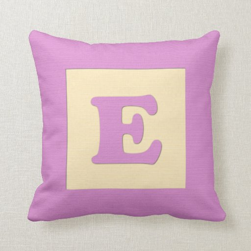 Baby building block throw pIllow letter E (pink)