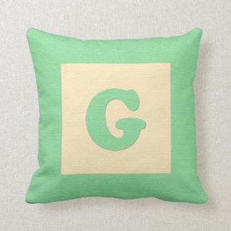 Baby building block throw pIllow letter G (green)