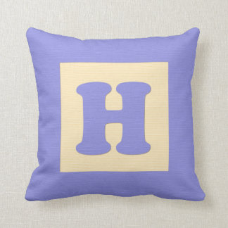 Baby building block throw pIllow letter H (blue)