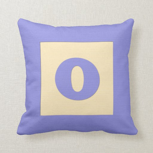 Baby building block throw pIllow letter O (blue)