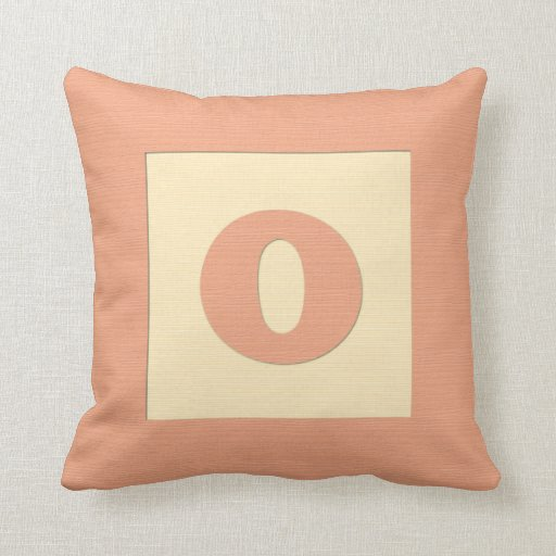 Baby building block throw pIllow letter O (orange)