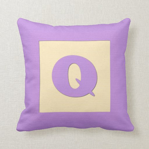 Baby building block throw pIllow letter Q (purple)